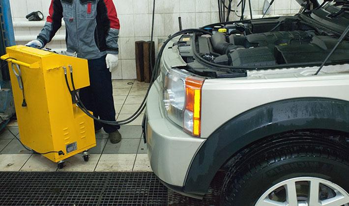 Замена масла Land Rover Discovery 3 - Техцентр LRservice выполняет замену масла в коробке АКПП, в ГУР, раздаточной коробке, мостах Ленд Ровер Дискавери 3 дизель и переднем редукторе